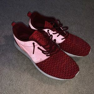 Nike red roshe shoes size 10